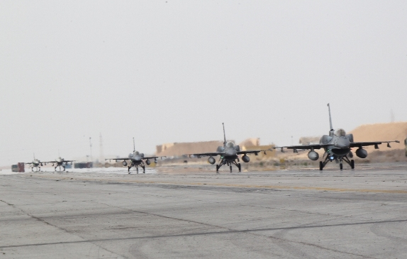 A squadron of AUE F-16s arrives in Jordan to support the war against ISIL, February 8th 2015