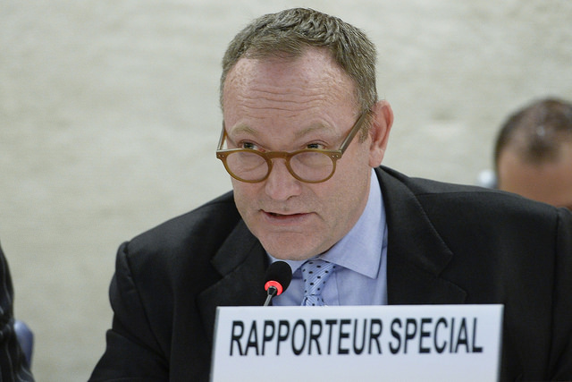 UN Special Rapporteur Ben Emmerson presents his report on Islamic State at Geneva June 22 (United Nations)