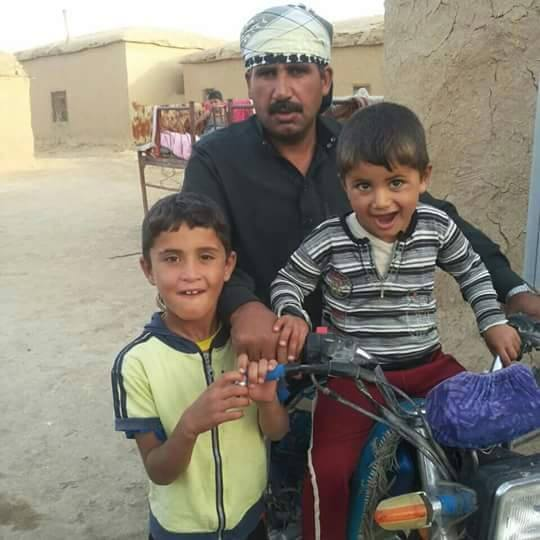 Ali Sleiman Al Abdallah and his children, killed in a reported Coalition strike December 7th 2015 (via Hassakah Youth Union)
