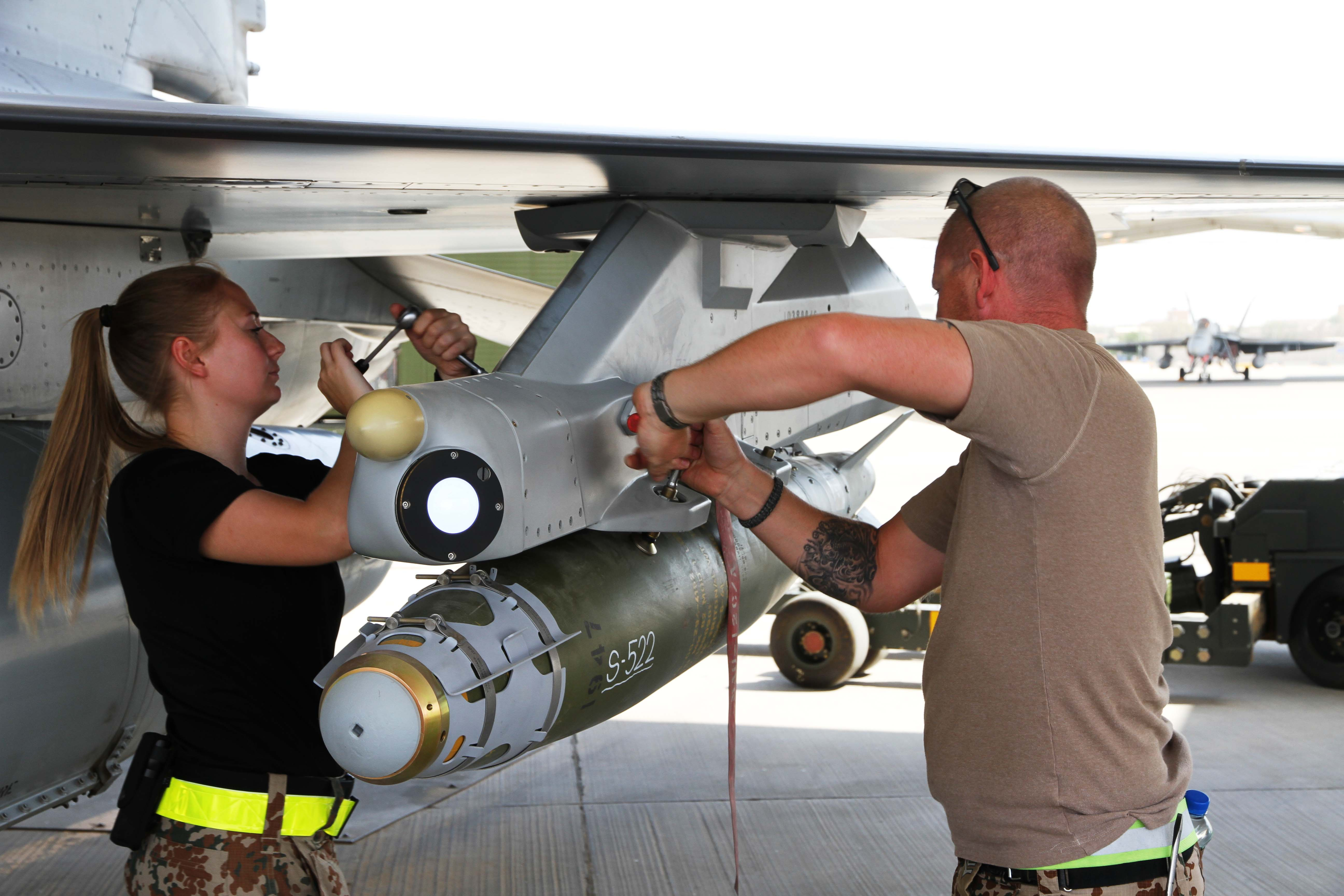Danish technicians check weapons for final F-16 missions (Denmark MoD/ )