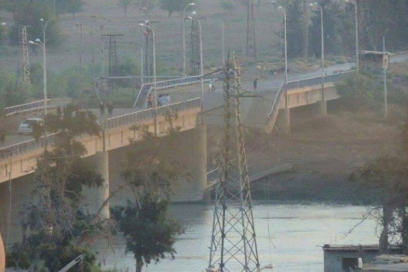 Al Siassah bridge, partially destroyed in a reported Coalition strike on October 2016 (via Shaam News Network)